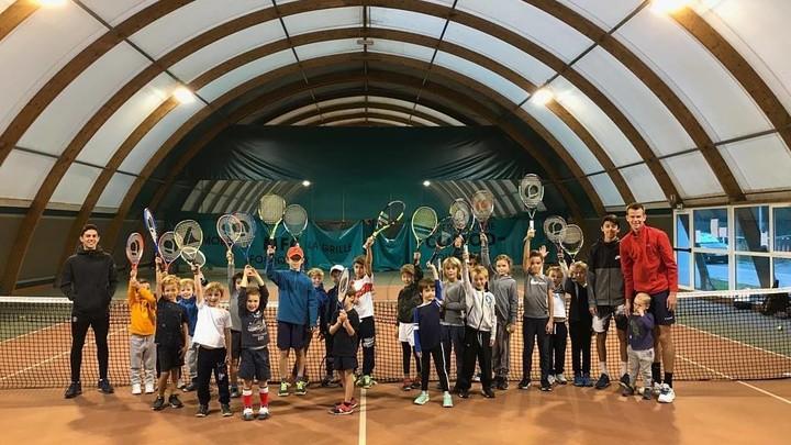 Courts de tennis intérieur au stade Claude-Bocard