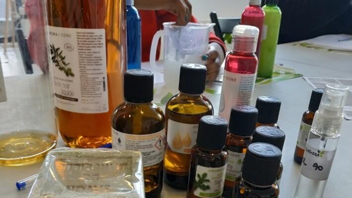 - Fabrication de cosmétiques et produits ménagers maison