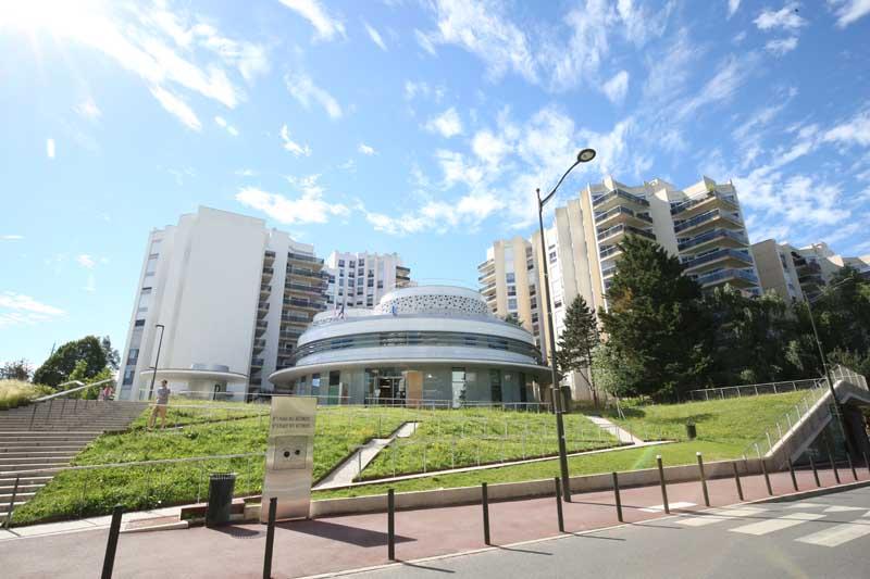 La Place Des Rotondes Ville De Saint Germain